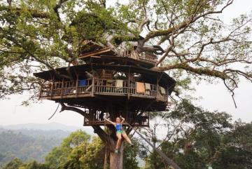 Houeixay – Pakbeng – Luang Prabang – Xieng Khouang – Vang Vieng – Vientiane Tour