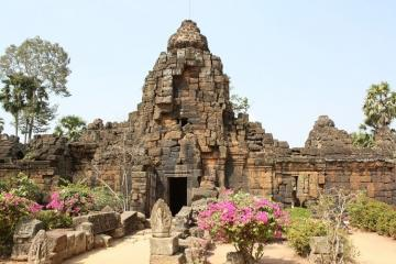 Tonle Bati & Ta Prohm Temple Half Day Tour